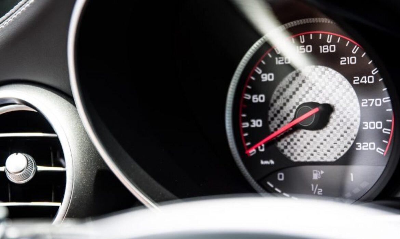 Quelle différence entre régulateur et limitateur de vitesse ?